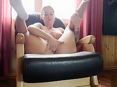 Morning masturbation in yoga pants and white socks