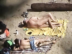 tre40 - two couples beach