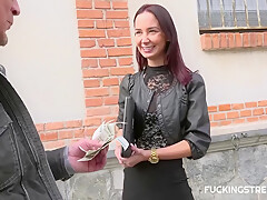 Freya Dee - Offering Money To See Boobs And May Be.. A Little More?
