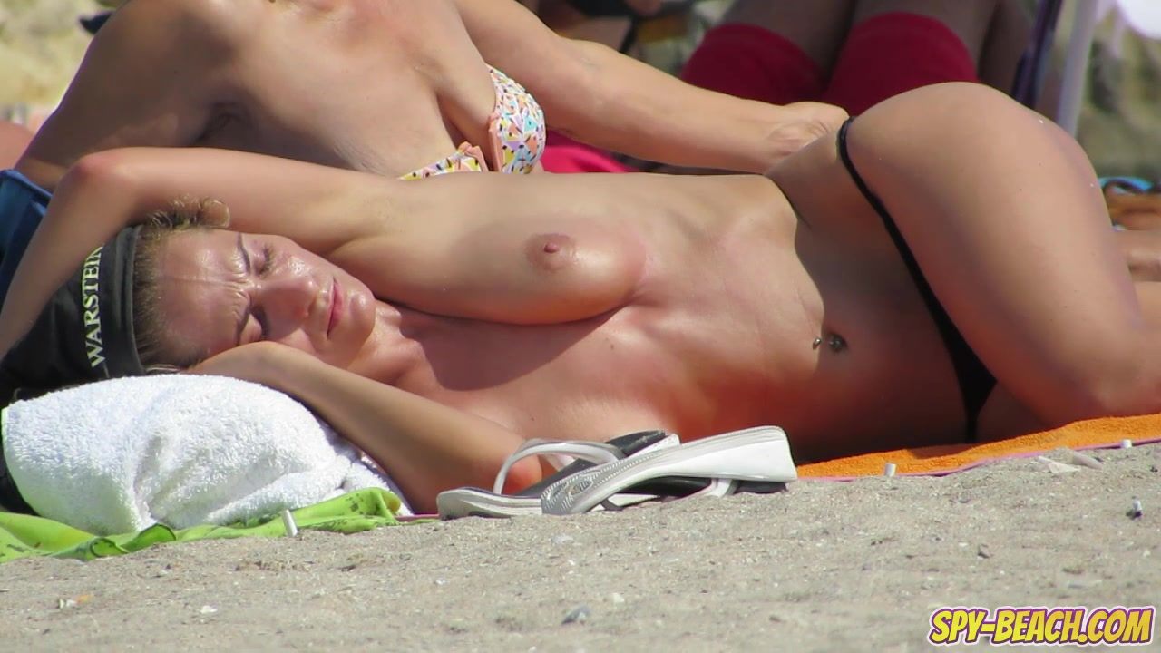 Amateur Topless Beach Voyeur Teens - Hidden Cam Spy Video