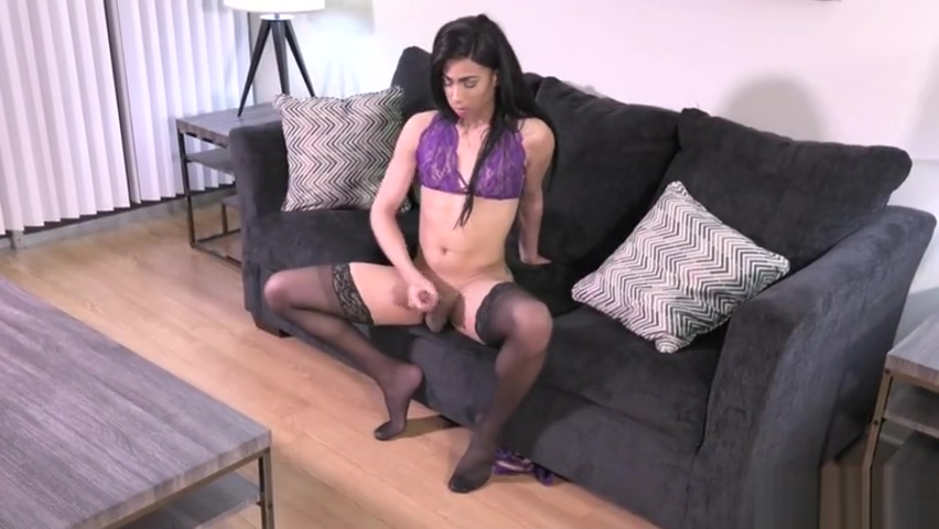 Hot shemale rimjob and cumshot zy