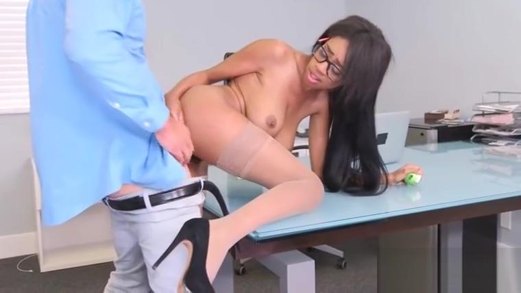 Superb Office Girl (Brittney White) With Big Boobs Enjoy Intercorse movie-06