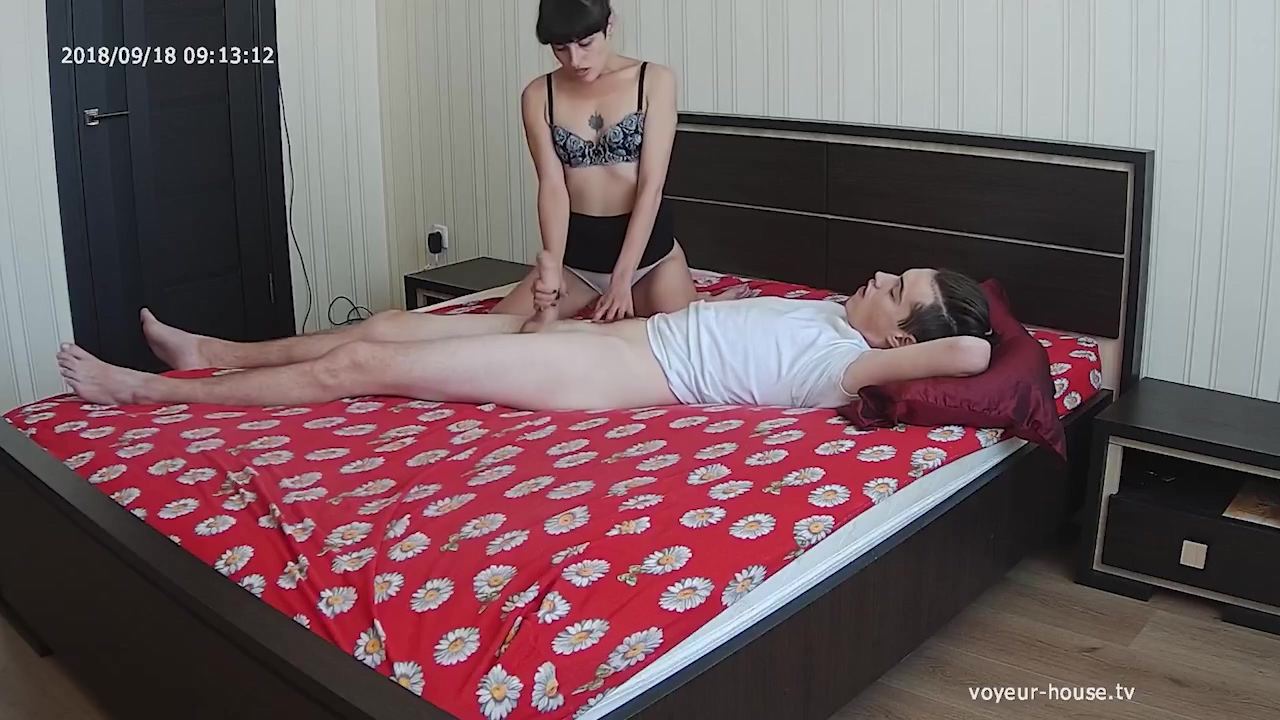 Gorgeous Horny Milf Hot Slut Gives Nice Blow & Handsjob