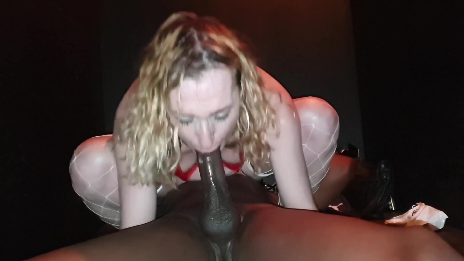 10 Inch Bbc Interracial Fuck For Sexy White Milf Essex Girl Lisa
