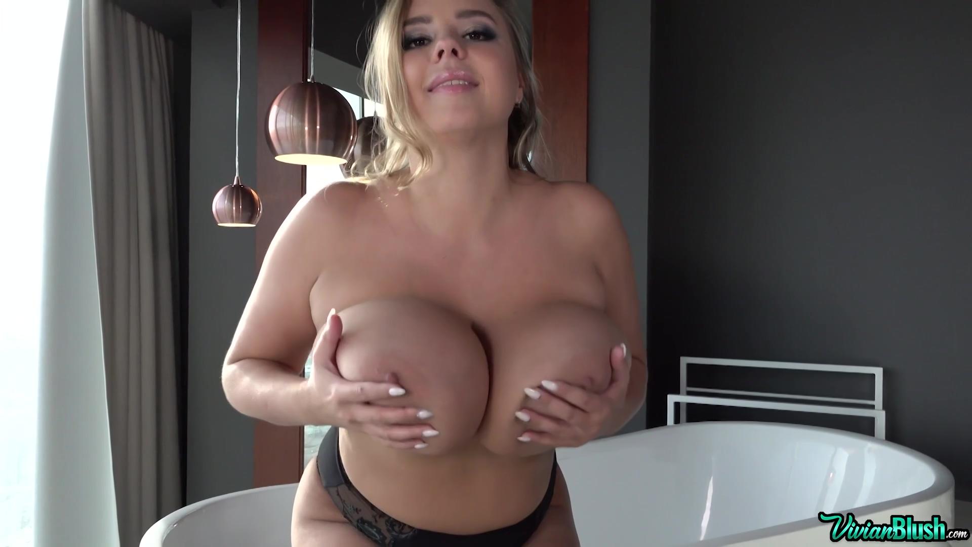 Undress Me And Stare 1080p - Vivian Blush